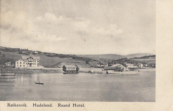 Røikenvik. Hadeland. Raand Hotel.