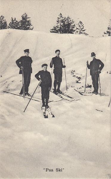 Paa Ski