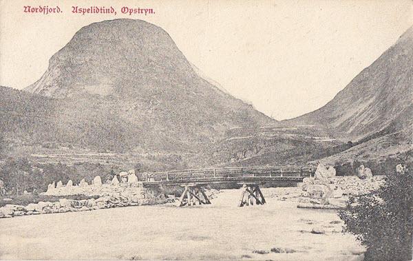 Nordfjord. Aspelidtind, Opstryn.