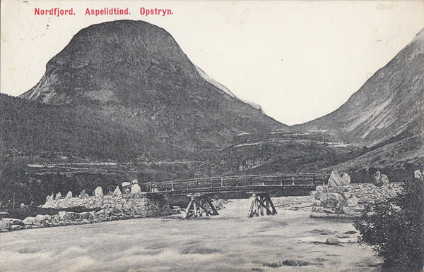 Nordfjord. Aspelidtind. Opstryn.