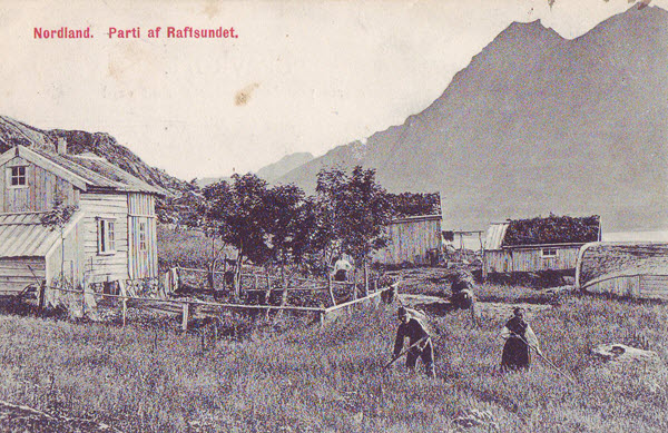 Nordland.  Parti af Raftsundet.