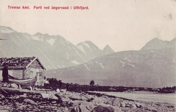 Tromsø Amt. Parti ved Jægervand i Ulfsfjord.