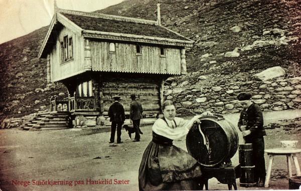 Norge Smörkjærning paa Haukelid Sæter