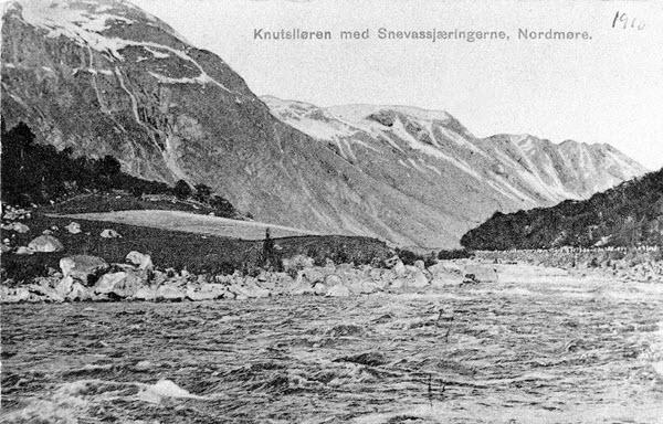 Knutsliøen med Snevassjæringerne, Nordmøre.